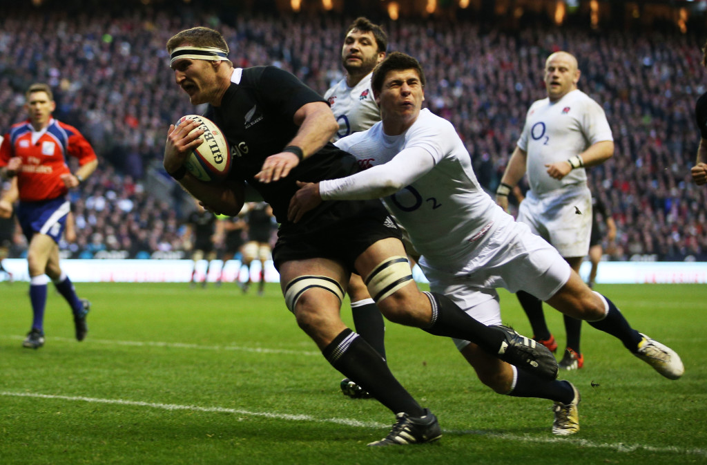 LONDON, ENGLAND - DECEMBER 01:  Ben Youngs of England tackles Kieran Read of New Zealand during the QBE International match between England and New Zealand at Twickenham Stadium on December 1, 2012 in London, England.  (Photo by Hannah Johnston/Getty Images)