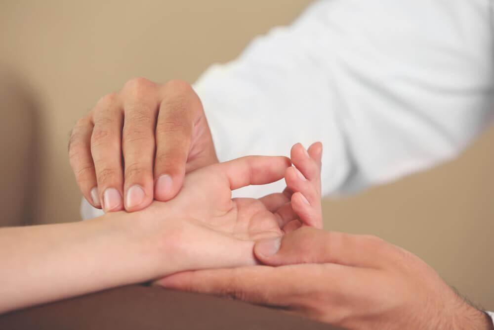 6-exercícios-para-as-mãos-para-evitar-síndromes-incômodas